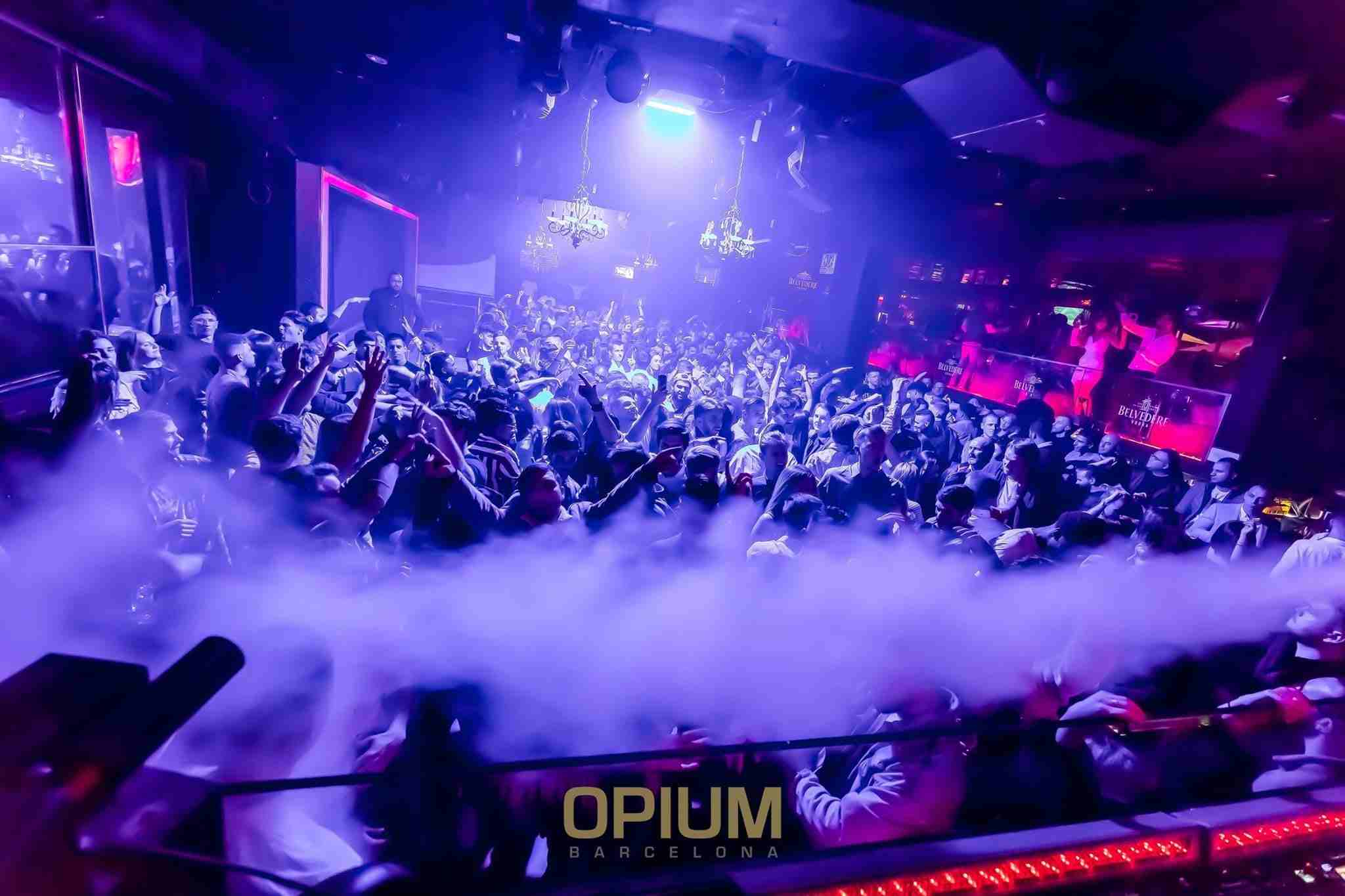 Opium VIP Table